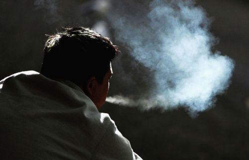 Thuốc lá gây ung thư phổi rất nghiêm trọng.