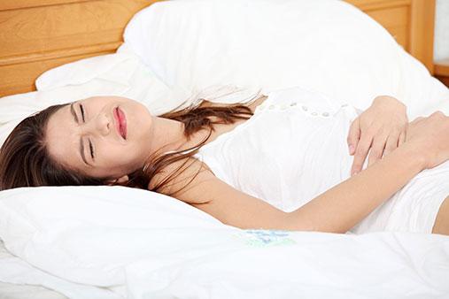 Đau nhức bụng trên - biểu hiện ung thư dạ dày giai đoạn đầu