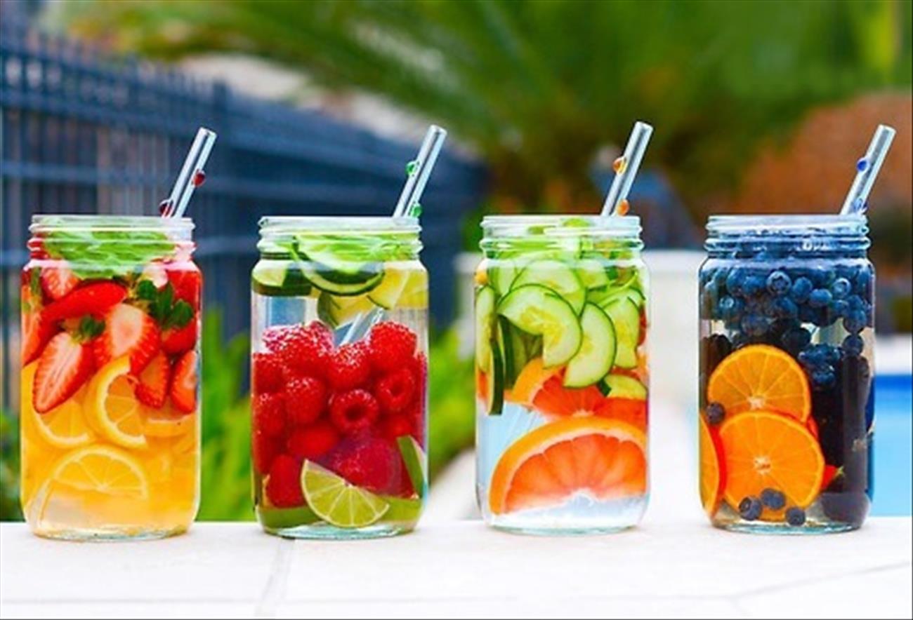 Nước hoa quả đựng trong chai nhựa có chứa chất gây ung thư.