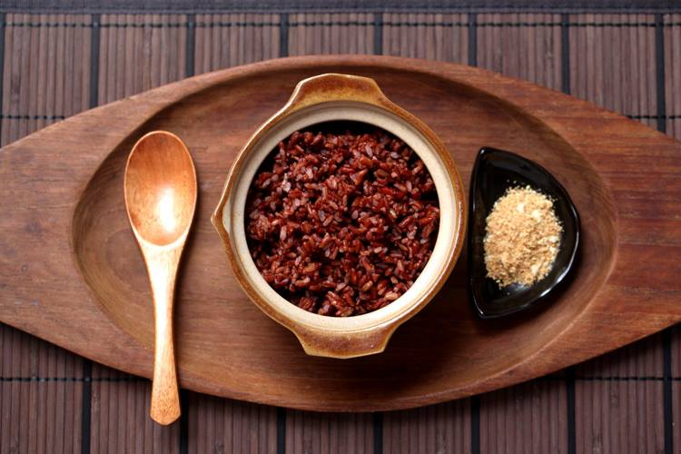 Điều trị bệnh ung thư bằng ăn gạo lứt muối mè