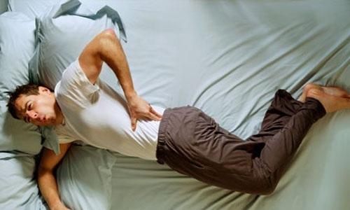 Việc đau lưng dưới ở nam giới là dấu hiện bệnh ung thư bàng quang