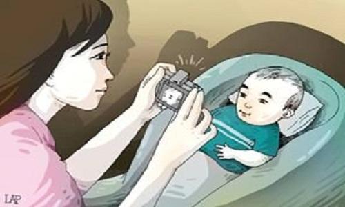 dấu hiệu ung thư võng mạc ở trẻ nhỏ