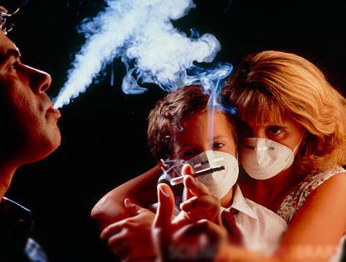 Hút thuốc lá gây ung thư phổi cho người hút và những người xung quanh
