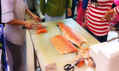 Ăn cá hồi Châu Âu có khả năng bị ung thư là thông tin sai sự thật