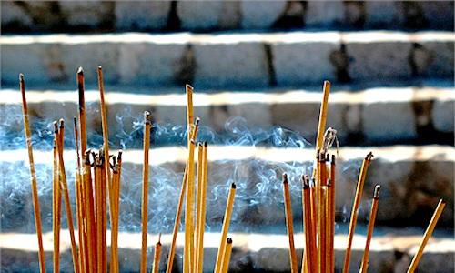 khói hương có thể gây ung thư mà chúng ta hay sử dụng trong những ngày lễ.