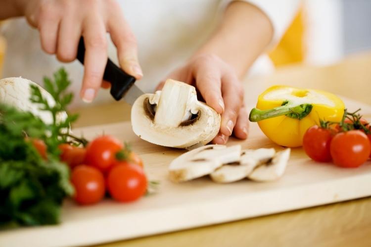 Kiêng ăn có giúp hóa trị ung thư tốt hơn không?
