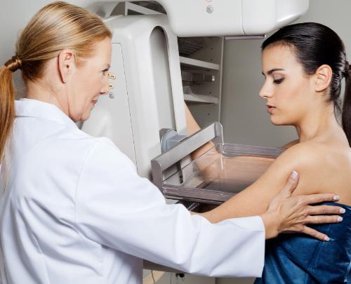 nên làm gì khi bị ung thư vú