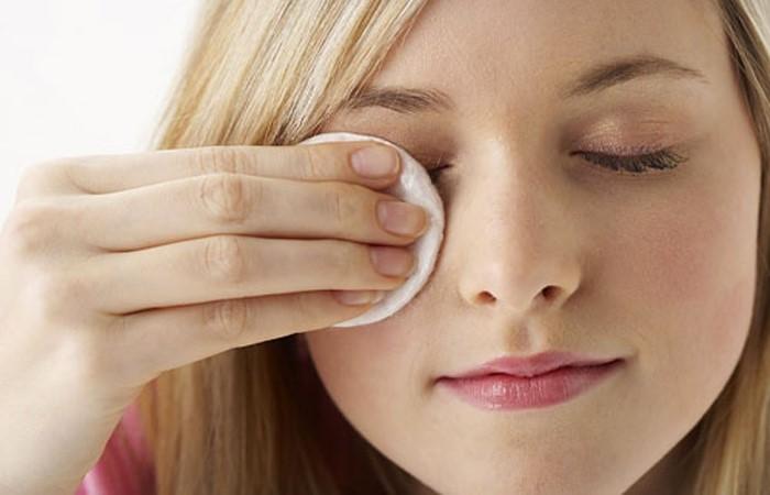 Ngăn ngừa ung thư mắt bằng cách vệ sinh mắt sạch sẽ