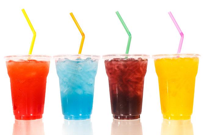 Tiềm ẩn ung thư từ những chai nước ngọt thường dùng.
