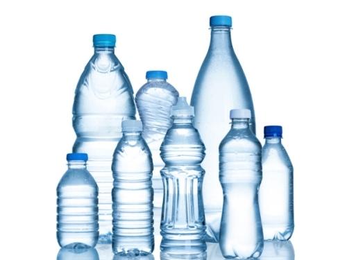 Nguy cơ ung thư từ chai nhựa