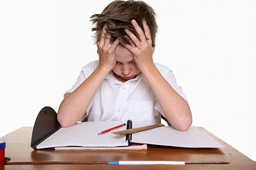 nguyên nhân khiến trẻ bị đau dạ dày