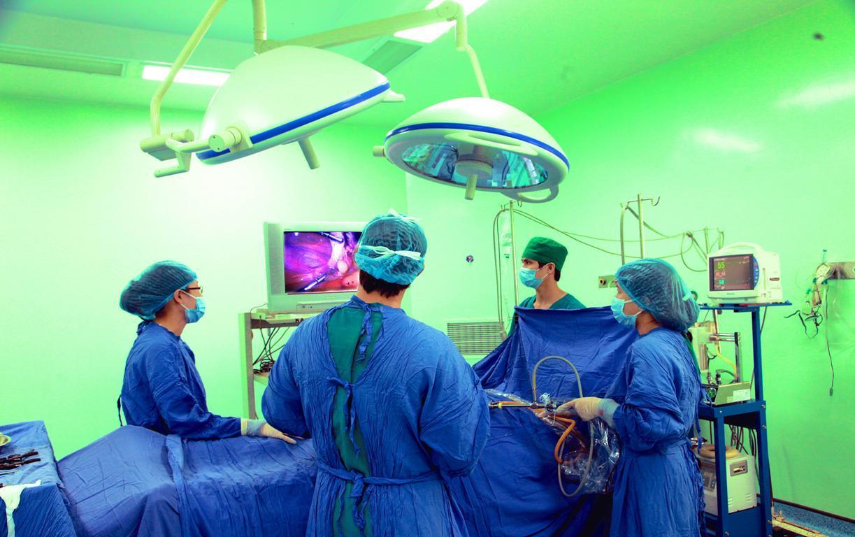 Phẫu thuật ung thư ác tính thành công cho bệnh nhi ung thư thận