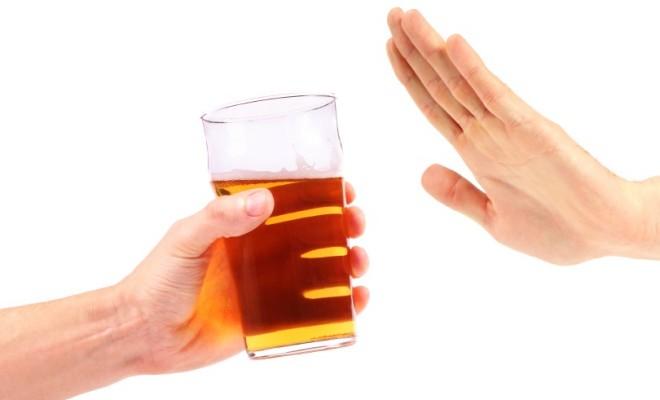Không nên uống nhiều rượu để phòng chống ung thư thực quản