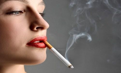 Phụ nữ mắc bệnh ung thư phổi do thuốc lá?
