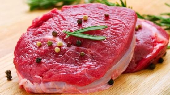 Thịt đỏ là thực phẩm gây ung thư quen thuộc.