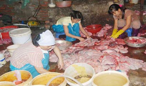 Thịt lợn bẩn để làm đồ nướng gây ung thư