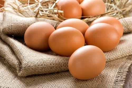 Trứng chứa chất bảo quản có nguy cơ gây ung thư (ảnh minh họa)