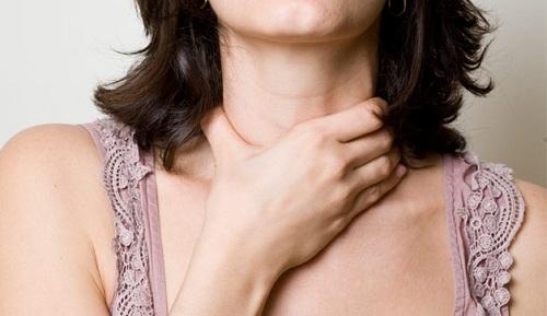 Đau họng – triệu trứng của ung thư amidan