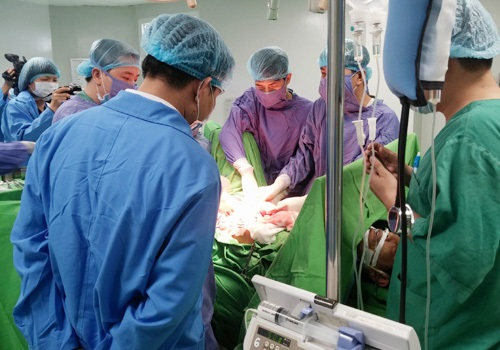 phẫu thuật ung thư đại tràng