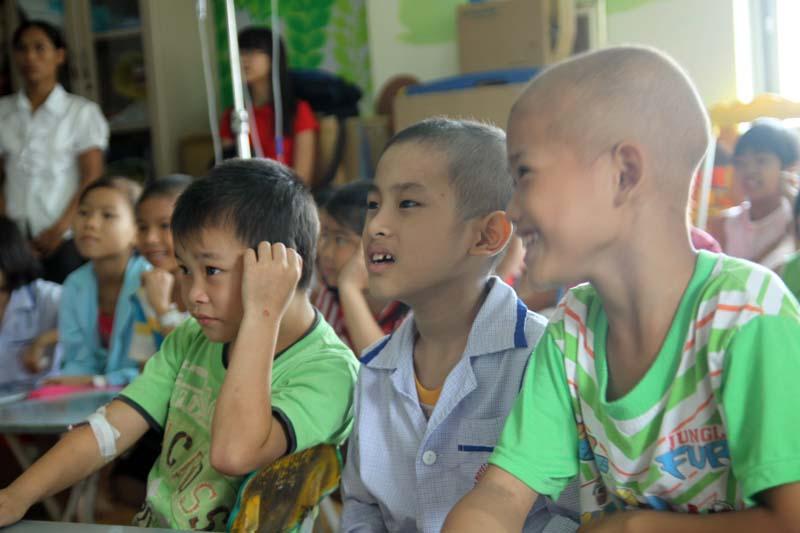 Lớp học nhân ái cho các trẻ em ung thư máu