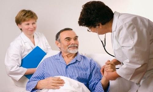 Giải đáp một số thắc mắc về bệnh ung thư phổi của người bệnh