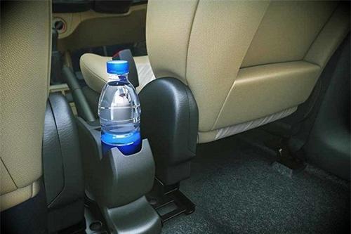 uống nước đóng chai để trong xe hơi có gây ung thư không