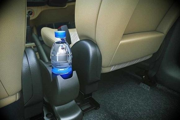 Nguyên nhân gây ung thư từ nước uống đóng chai.