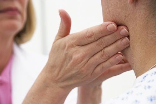 Bệnh ung thư vòm họng và những triệu chứng thường gặp