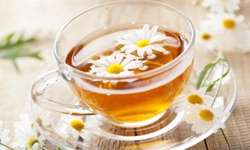 Giảm cơn đau dạ dày bằng trà hoa cúc