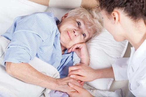 Những lưu ý khi chăm sóc bệnh nhân ung thư cổ tử cung giai đoạn cuối