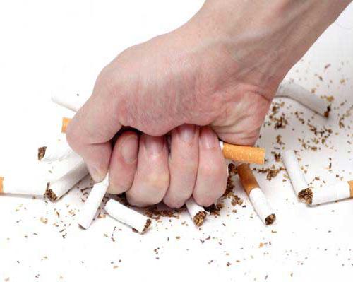 Nên cai thuốc lá để phòng tránh ung thư